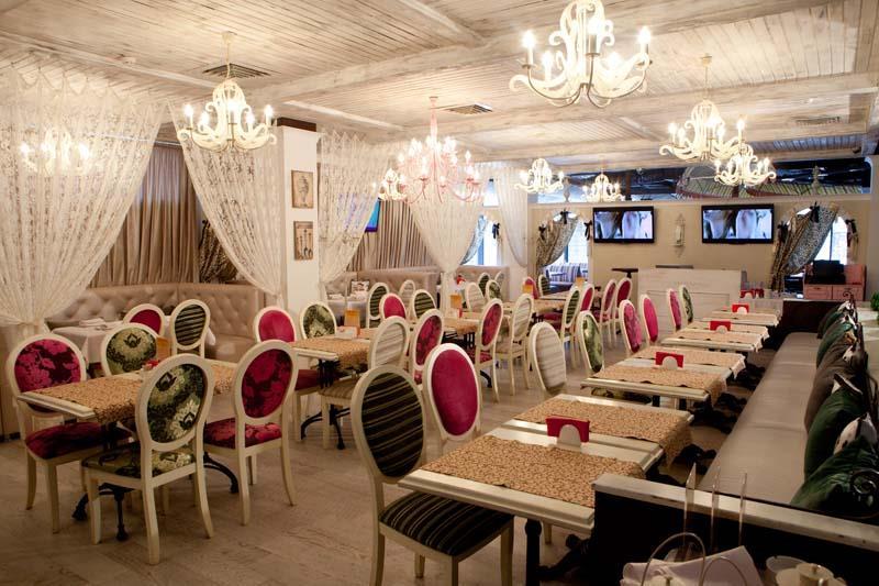 Carousel cafe wedding
